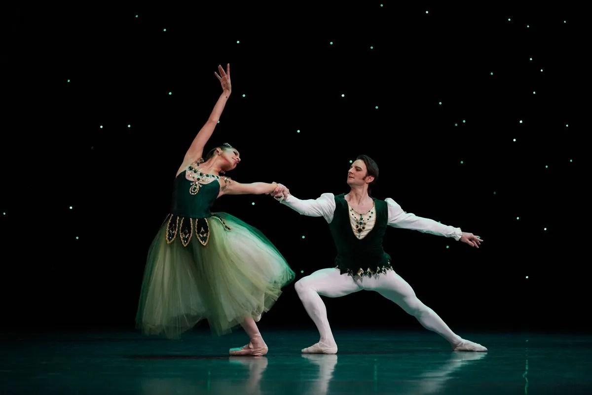Sasha Mukhamedov and Aaron Robison in Emeralds, Choreography by George Balanchine © The Balanchine Trust, Photo © Erik Tomasson