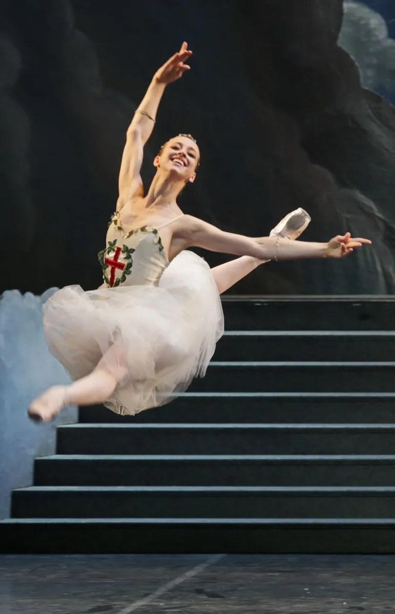 Virna Toppi as La civiltà in Excelsior, photo by Brescia e Amisano, Teatro alla Scala