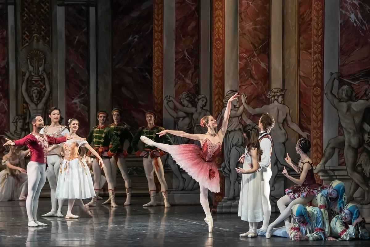 Virna Toppi in John Neumeier's Nutcracker, photo by Gherchiu Serghei, Bavarian State Ballet, 2019
