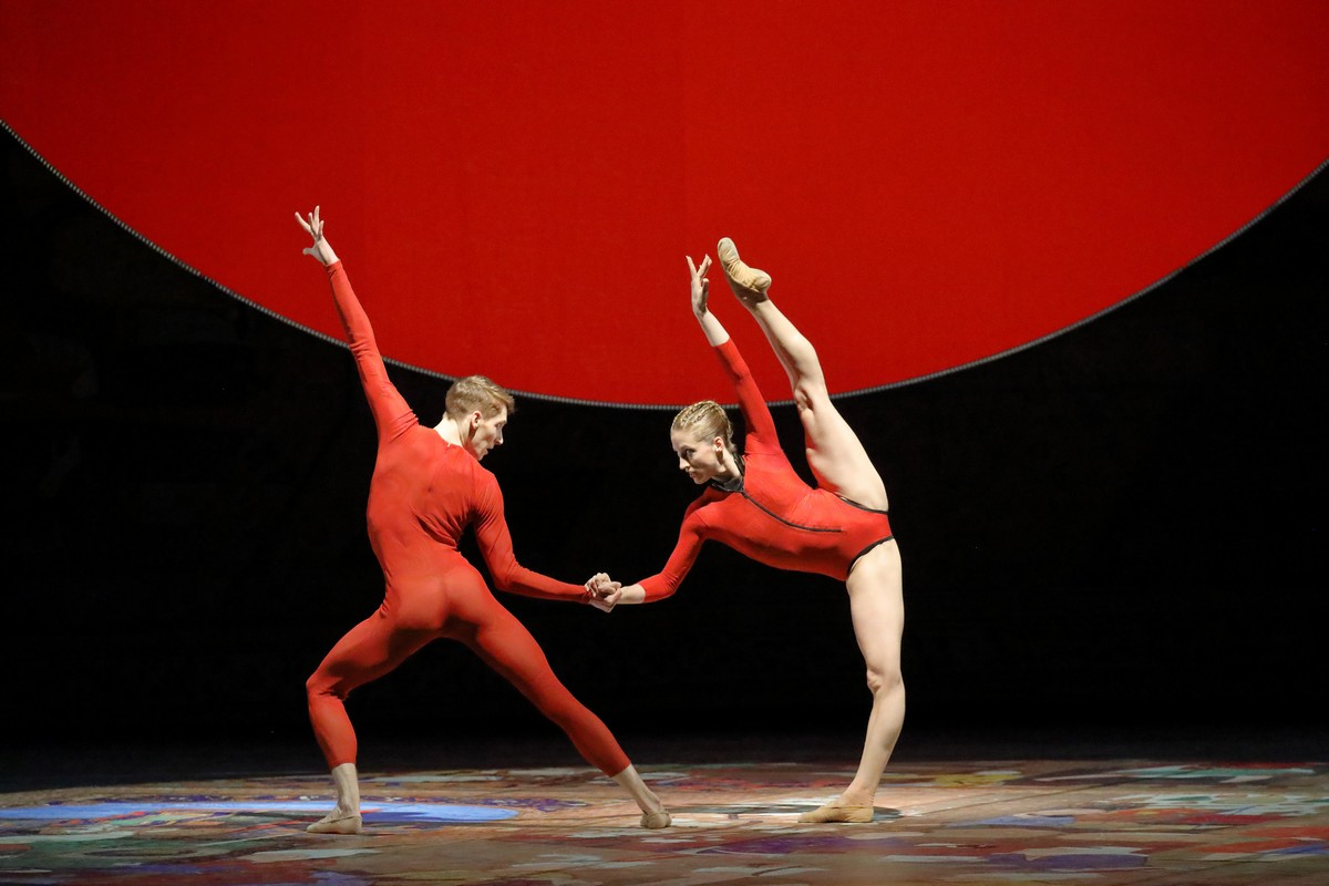 Virna Toppi in Wayne McGregor's Sunyata, photo by Wilfred Hosl, Bavarian State Ballet 2020