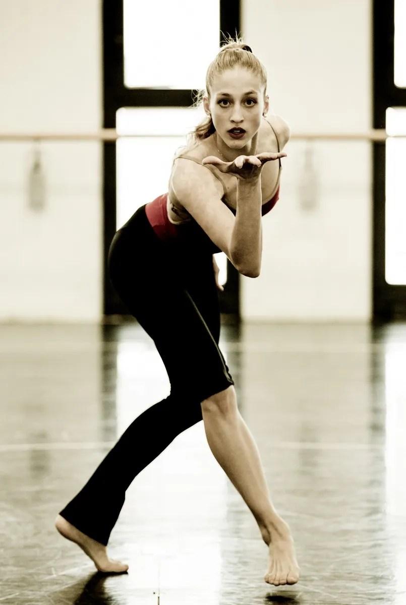 Virna Toppi rehearsing Bolero, photo by Brescia e Amisano, Teatro alla Scala