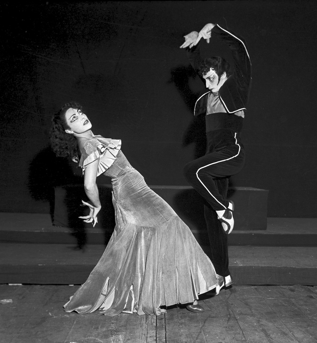 1951 Luciana Novaro in Boléro with Ugo dell'Ara, photo by Erio Piccagliani © Teatro alla Scala