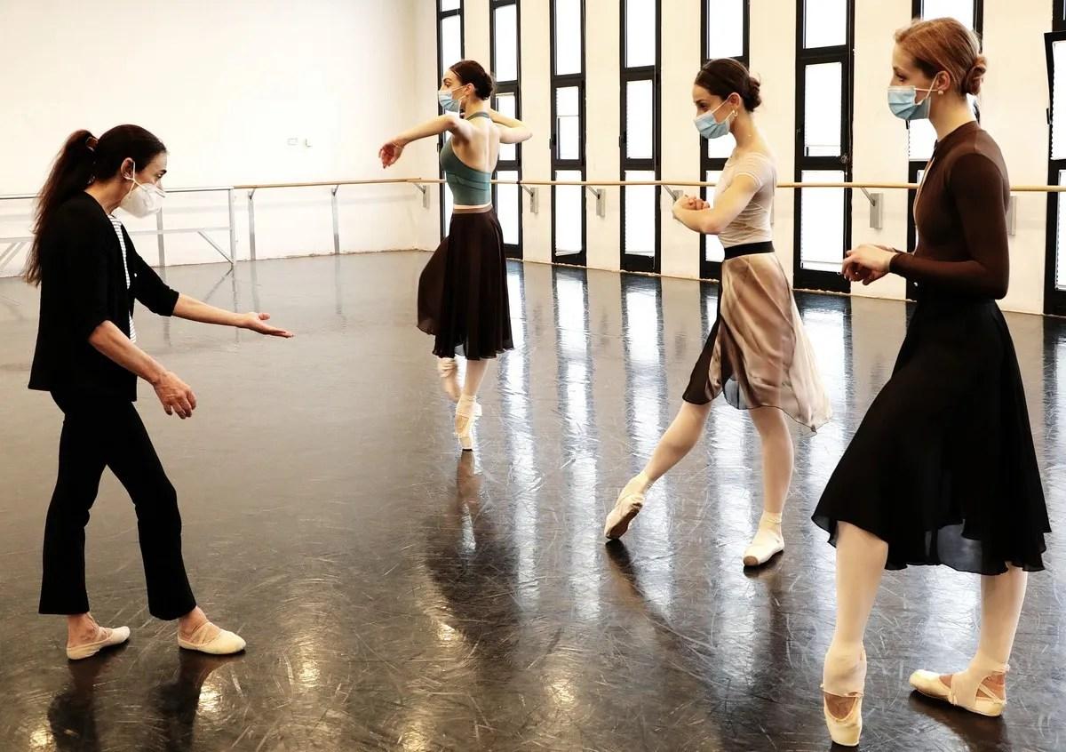 Masterclass - Alessandra Ferri with Martina Arduino, Nicoletta Manni, Virna Toppi - photo by Brescia e Amisano ©Teatro alla Scala