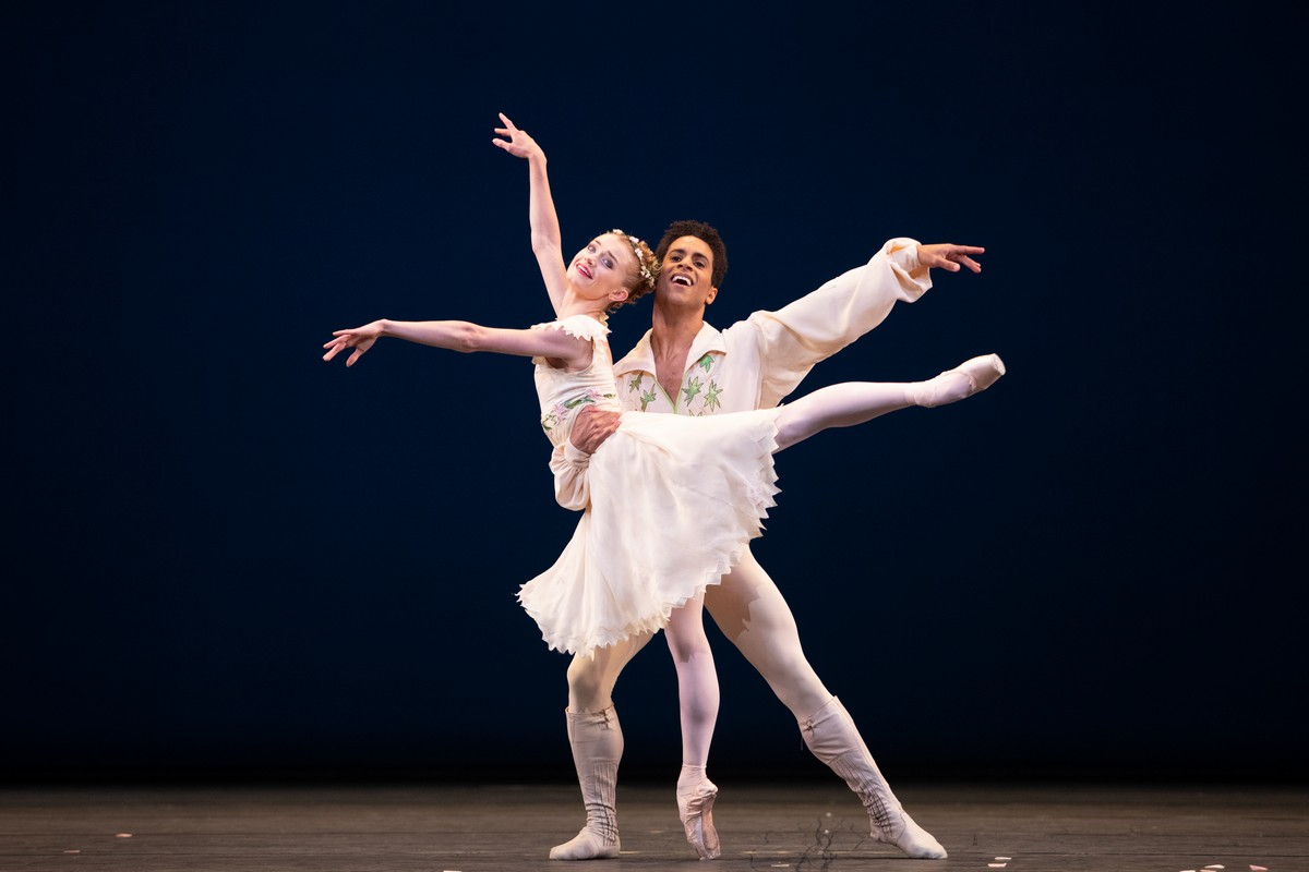 Anna Rose O'Sullivan and Marcelino Sambé in Voices of Spring, The Royal Ballet ©2021 ROH. Photograph by Alice Pennefather