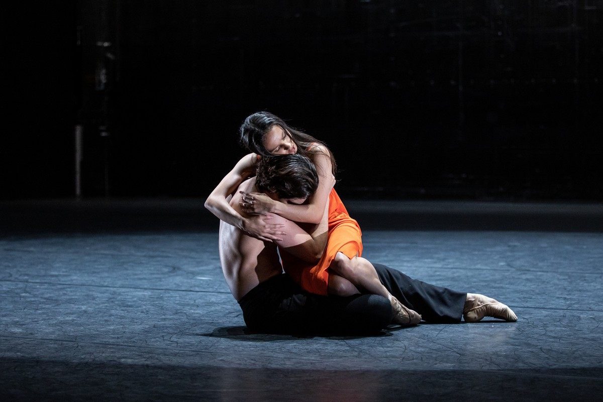 Francesca Hayward and Cesar Corrales in Wayne McGregors new ballet for Live from ROH 2020 shoot by Lara Cappelli ROH