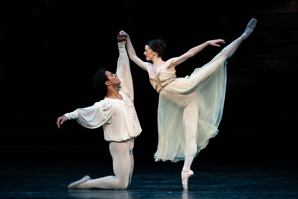 Marcelino Sambé as Romeo and Anna Rose O'Sullivan as Juliet in Romeo and Juliet, The Royal Ballet © 2019 ROH. Photograph by Helen Maybanks
