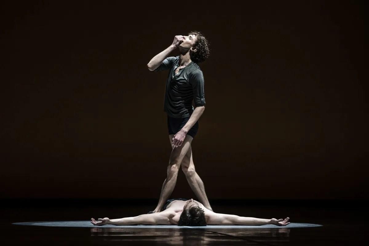 Jacopo Bellussi and Alessandro Frola in Peter and Igor, Nijinsky Gala, Hamburg 2021 33 © Kiran West