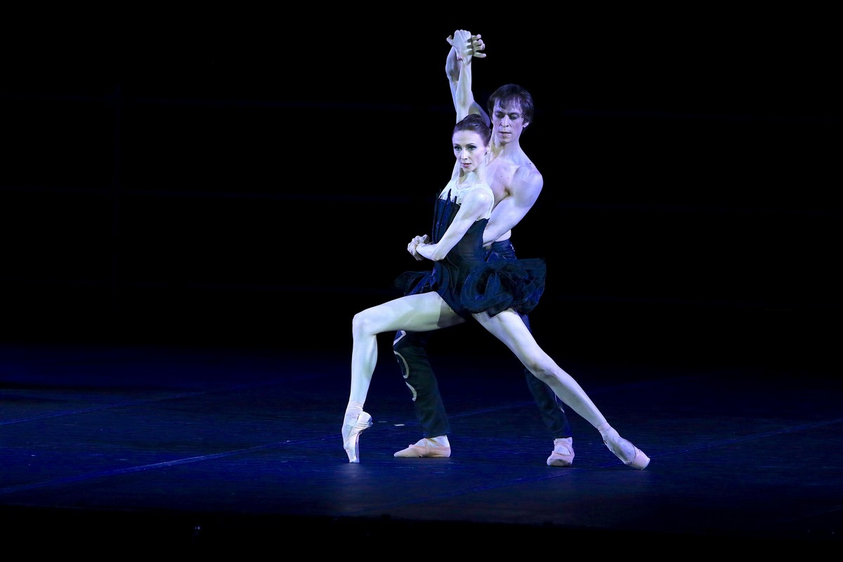 Project Handel from Pas de deux for Toes and Fingers, photo by Marcello Orselli, Teatro Carlo Felice - 353