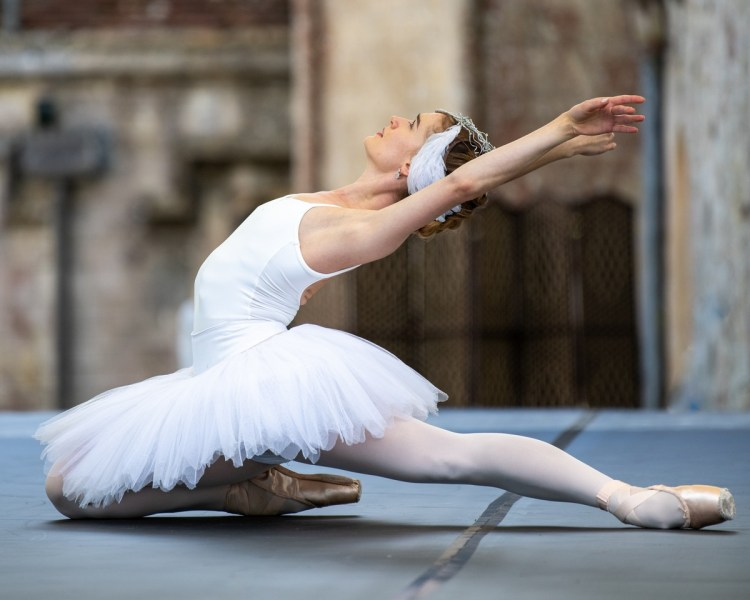 Anna Rose O'Sullivan in The Dying Swan, photo by Ian Rice