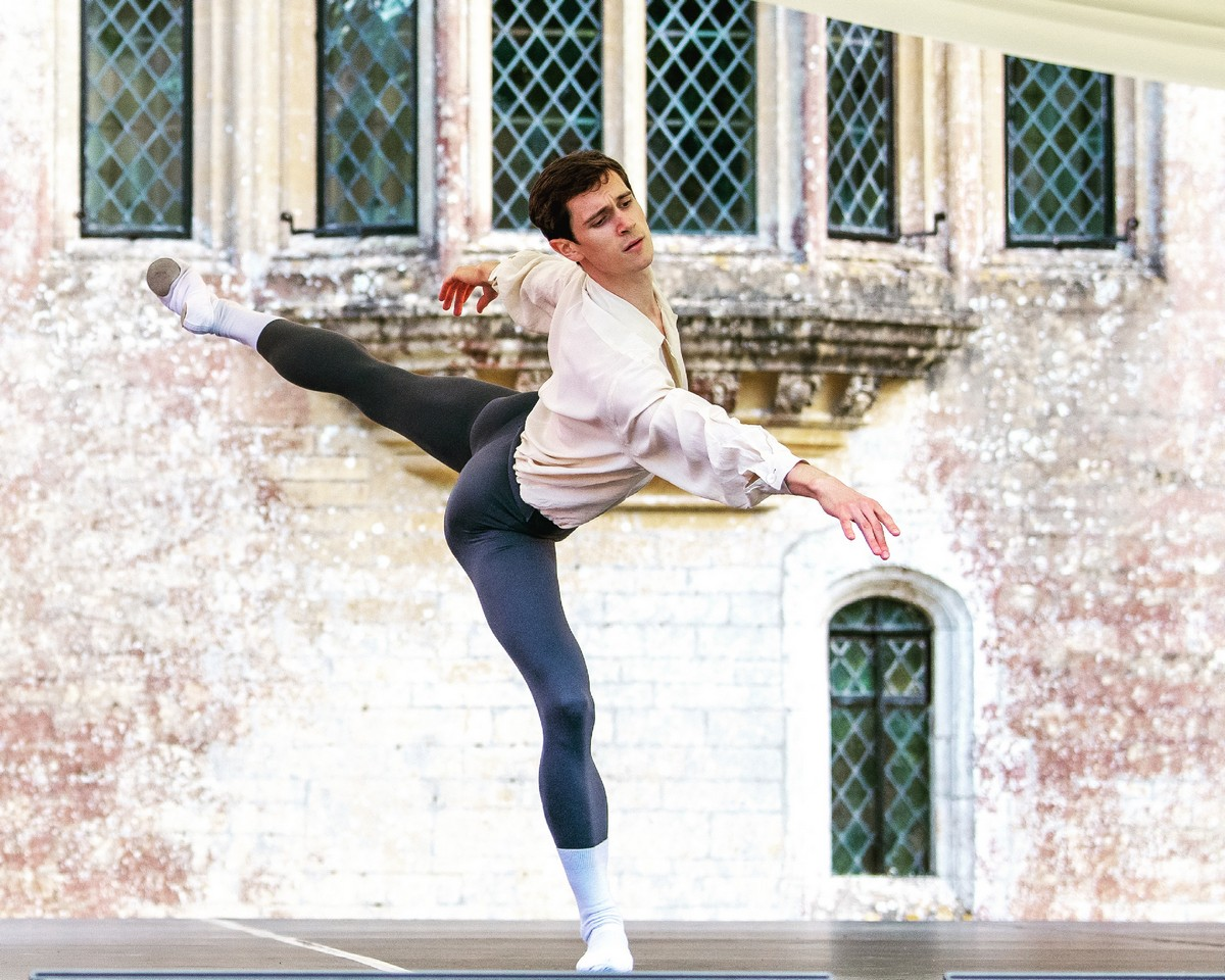William Bracewell as Siegfried in Act I Solo from Ashton's Swan Lake, photo by Ian Rice