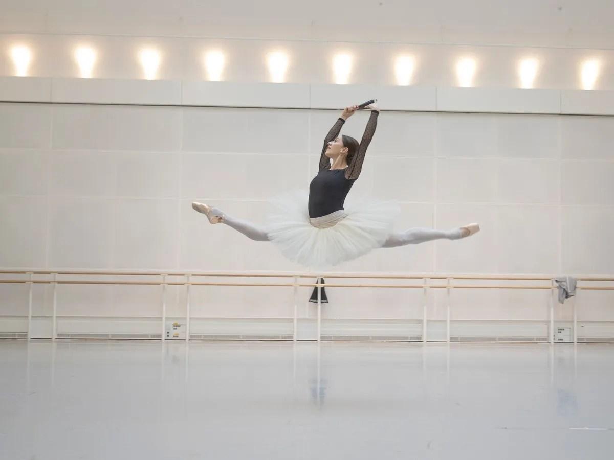 Marianela Núñez in rehearsal ©2019 ROH. Photograph by Andrej Uspenski.