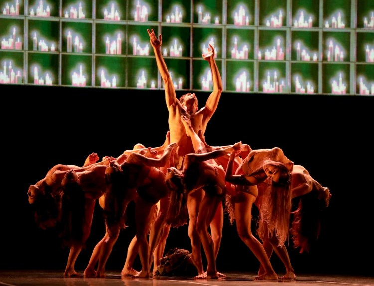 Madina - 19 - Gabriele Corrado and the corps de ballet, photo by Brescia e Amisano ©Teatro alla Scala