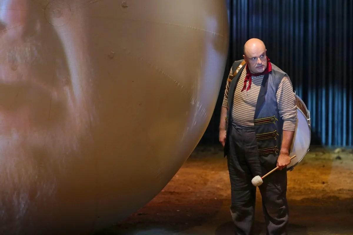 Sebastian Catana in Pagliacci, photo by Orselli, Teatro Carlo Felice 2021