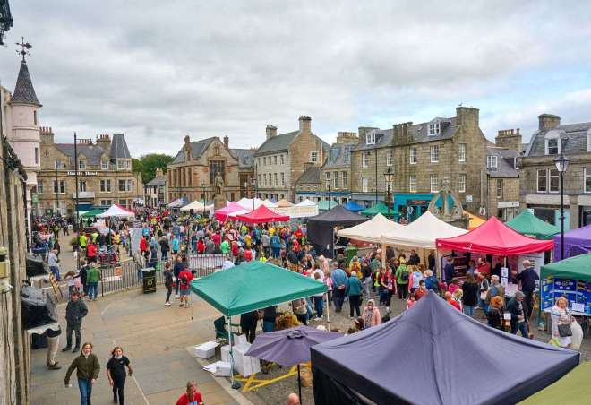 The packed Huntly town centre on Hairst day.