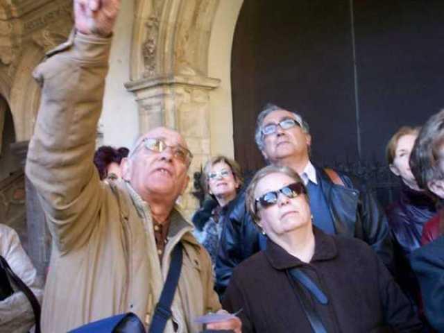Antonio Montufo en una de sus visitas guiadas