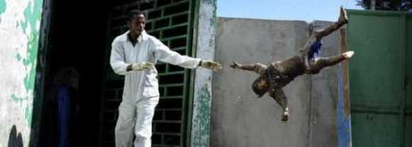 Los cuerpos se apilan en las calles de Haití