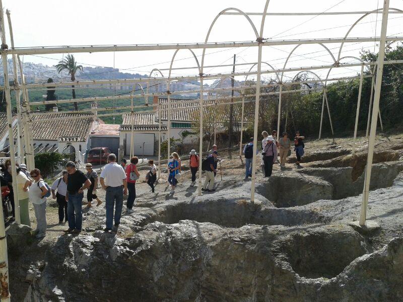 EL GRUPO DURANTE VISITA NECROPOLIS PUENTE DE NOY ALMUÑECAR