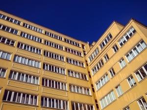 dynamic-apartment-architecture-1405589-m