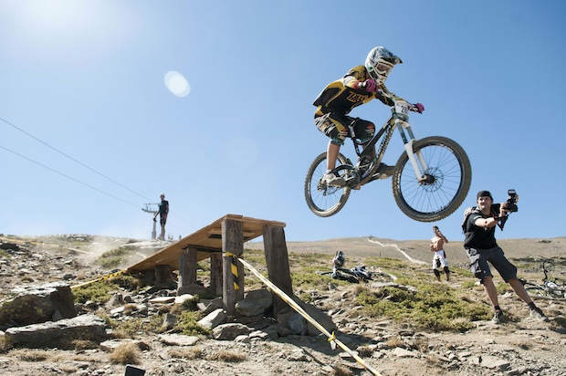 Descenso MTB Bullbikes Sierra Nevada