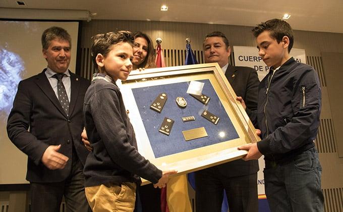 homenaje jorge garcia tudela viuda hijos policia nacional ignacio cosido