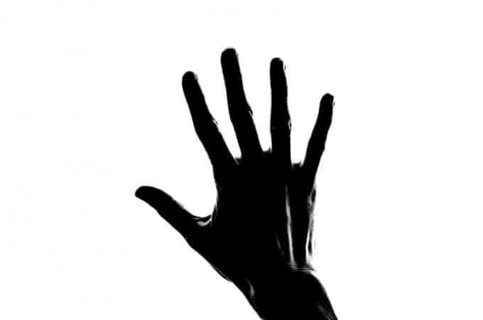 silhouette-woman-hand