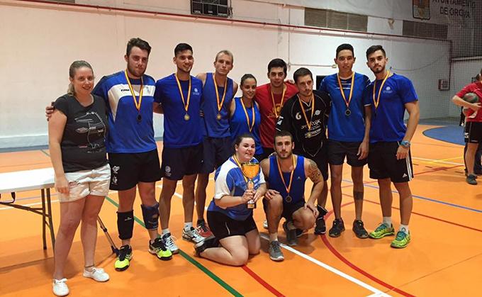 Los campeones del torneo de voleibol