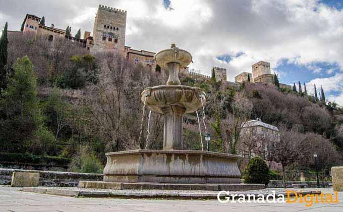 Fuente-Paseo-de-los-Tristes-y-Alhambra (1)