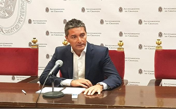 Manuel Olivares en rueda de prensa