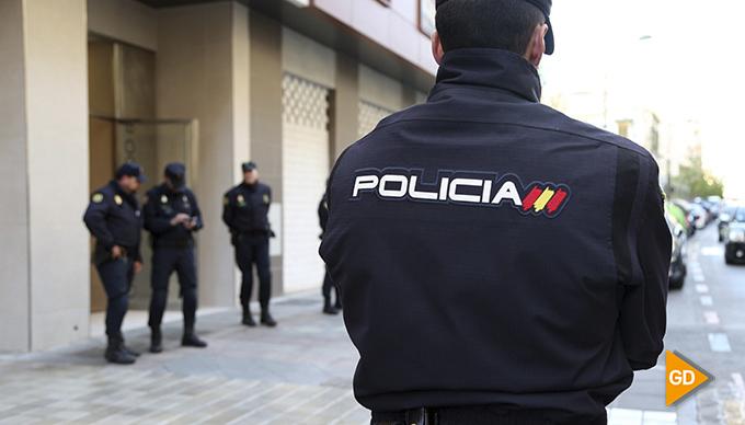 Agente-policial-01