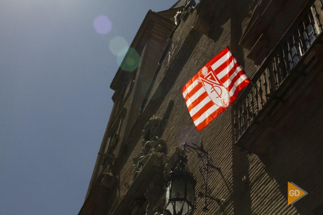 Ofrenda del Granada CF a la virgen de las Angustias por el ascenso a Primera División