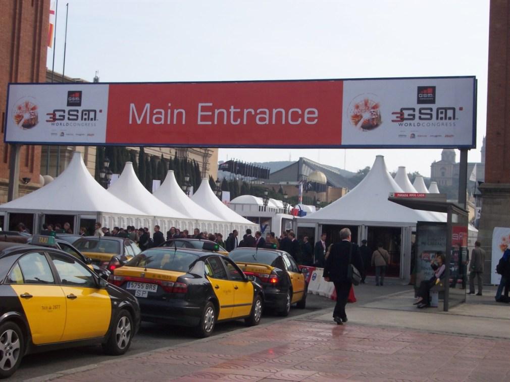 Entrada_principal_del_3GSM_World_Congress_(Barcelona_2006)