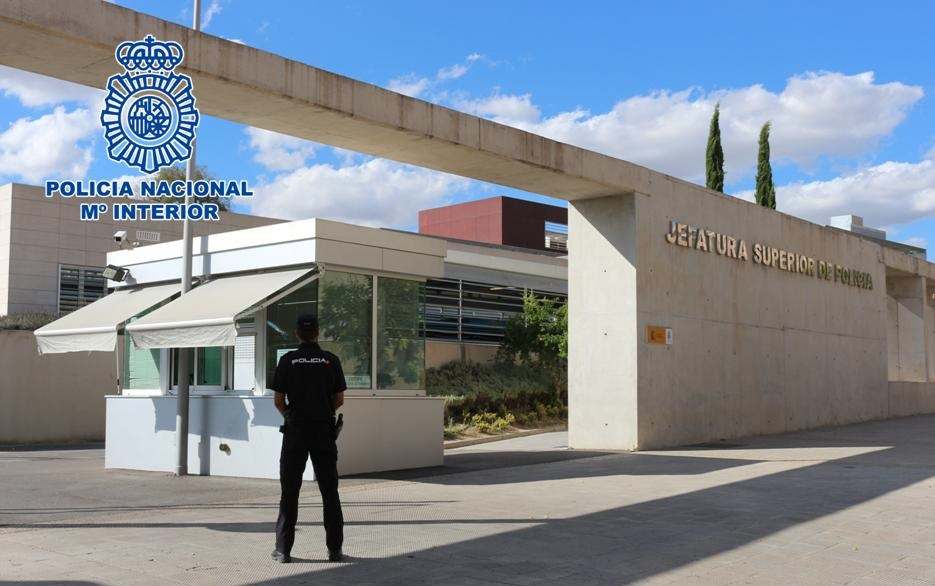 Policia_Granada_atracador