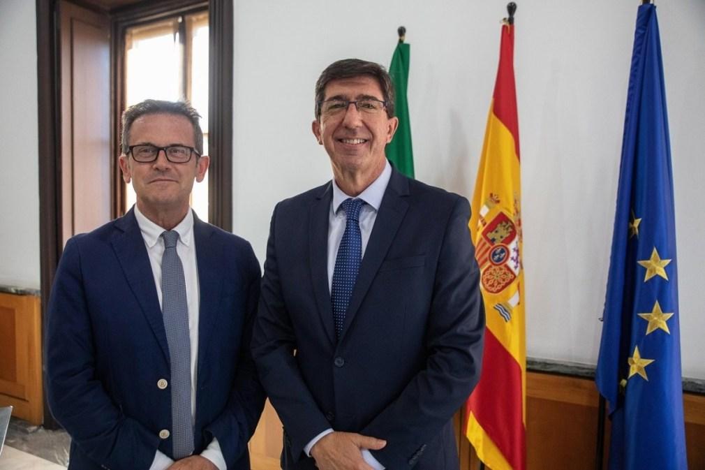El delegado de Justicia de la Junta en Granada, Gustavo Rodríguez, junto al consejero del ramo y vicepresidente del Gobierno andaluz, Juan Marín