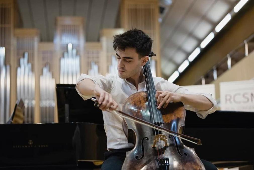 violonchelista Álvaro Peregrina