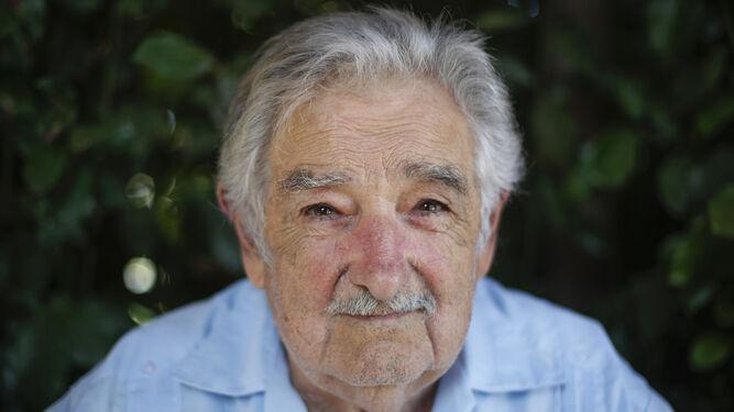 Mujica dice 'sí' al Nobel para Lorca