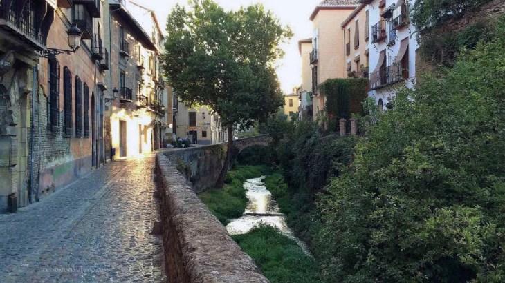 ▷ La Carrera del Darro • Granada por el Mundo