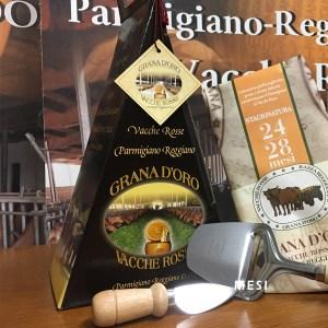 Confezione regalo triangolare Parmigiano Reggiano vacche rosse Grana d'Oro