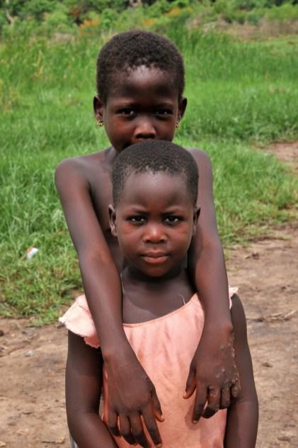 Village bord du lac Togo F13_2632