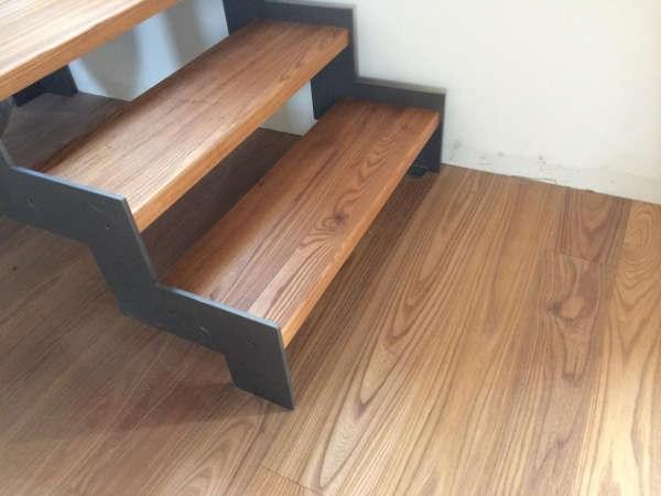 Stairs Flooring The Best Staircase Flooring Materials | Wood Floors And Stairs | Beautiful | Wood Plank | Oak | House | Wood Flooring