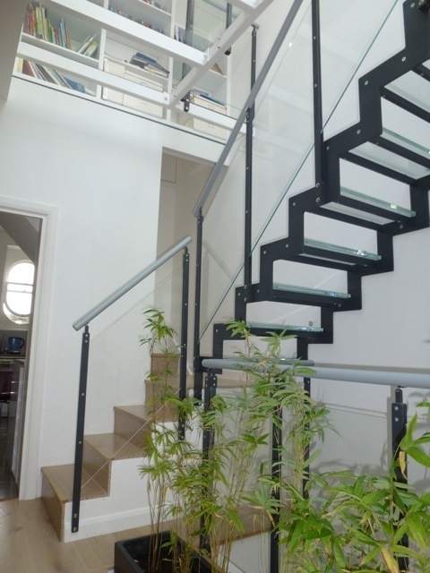 What Type Of Glass Is Used For Stairs Type Of Glass Used For Stairs | Glass Stair Treads Cost | Floating | Steel | Handrail | Hardwood | Wood