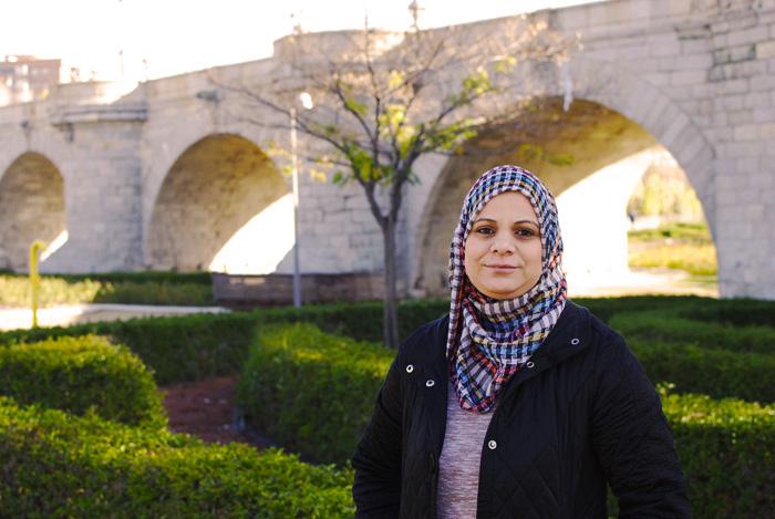 Nahla es de Iraq y vivió en campos de refugiados en Grecia