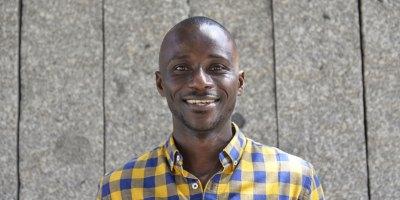 Alain Serge Nzinzi es de Gabón pero vive en España por amor a su cultura