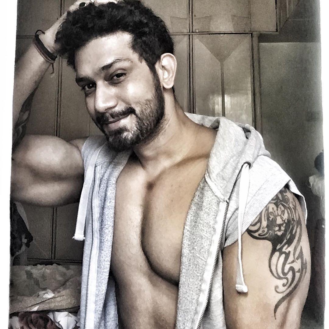 actor Vineet Chaudhary