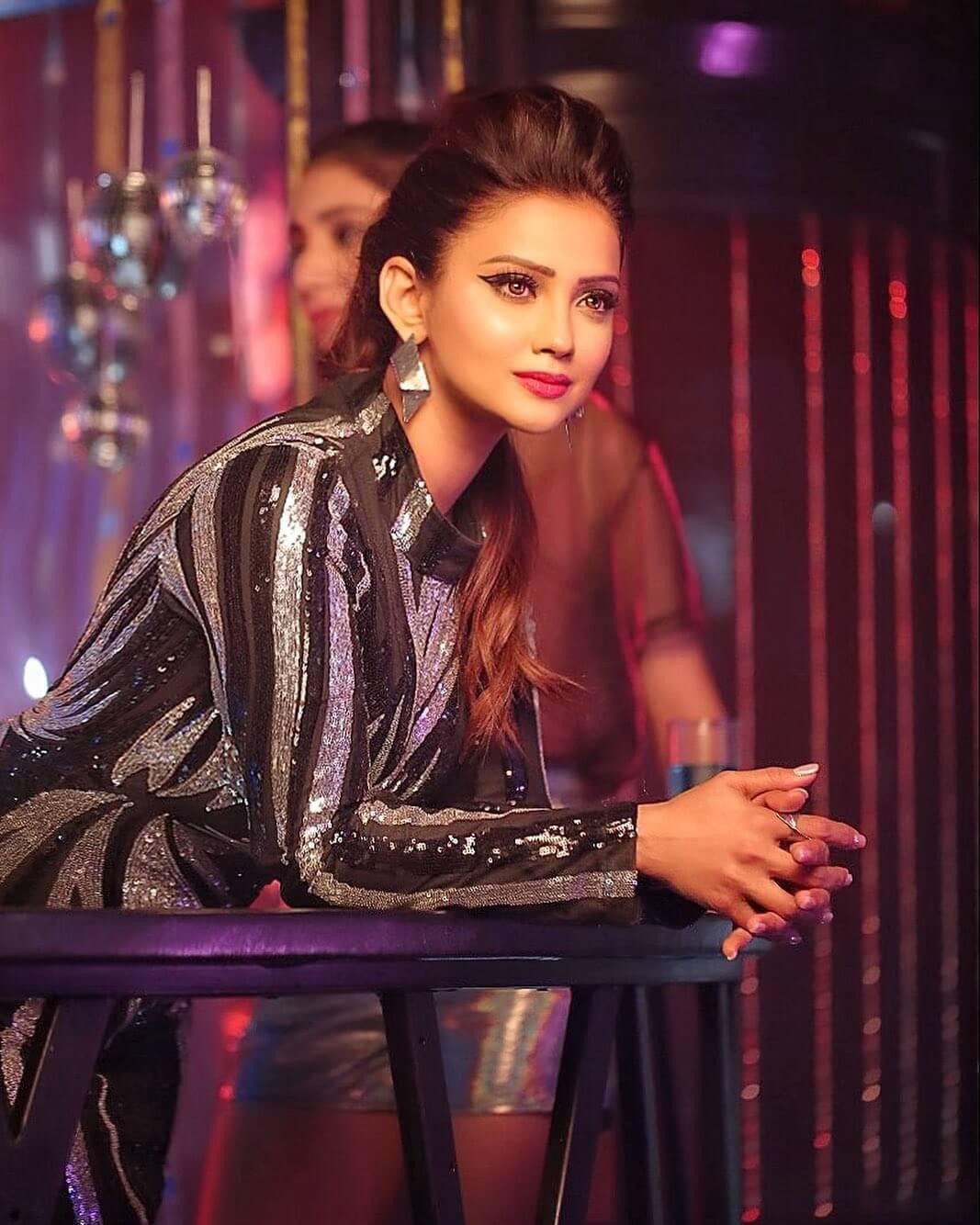 actress adaa khan photos