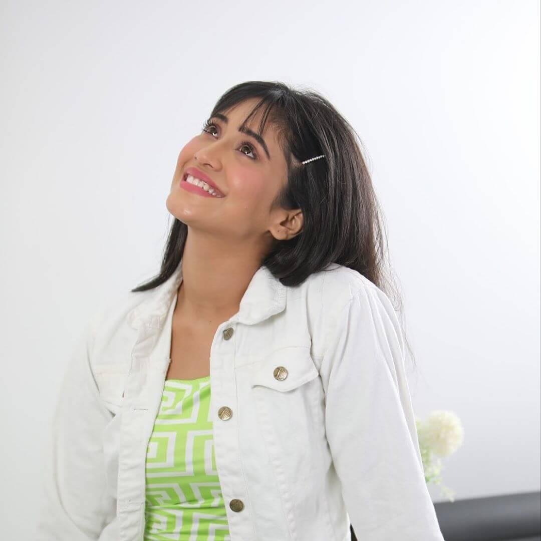 actress Shivangi Joshi