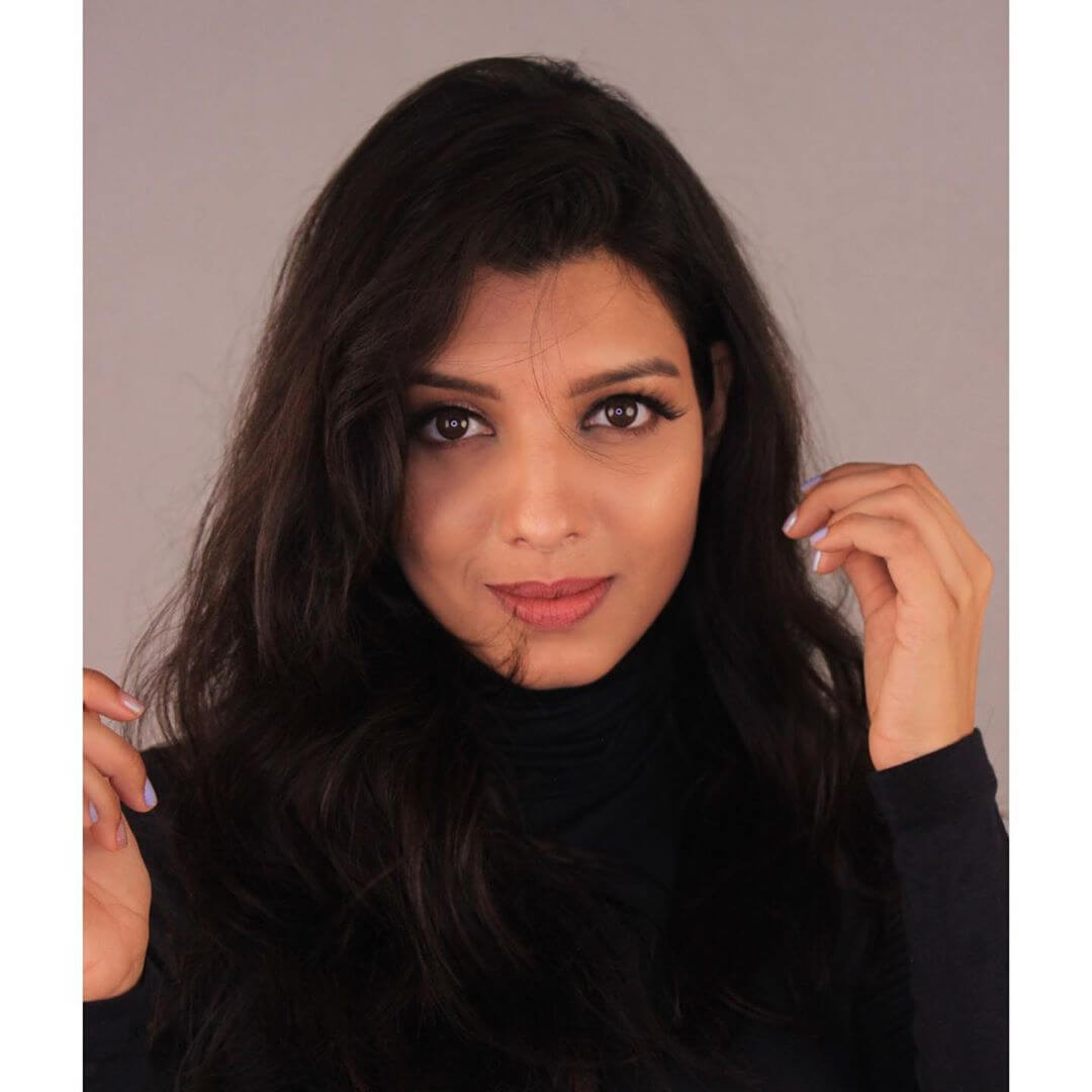 actress Riya Deepsi pics