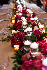Deep color centerpiece