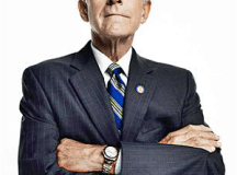 Ron Paul feted in raucous farewell rally
