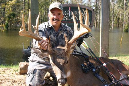 giles island deer hunting