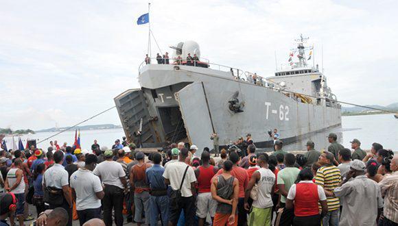 buque venezonalo con materiales para baracoa